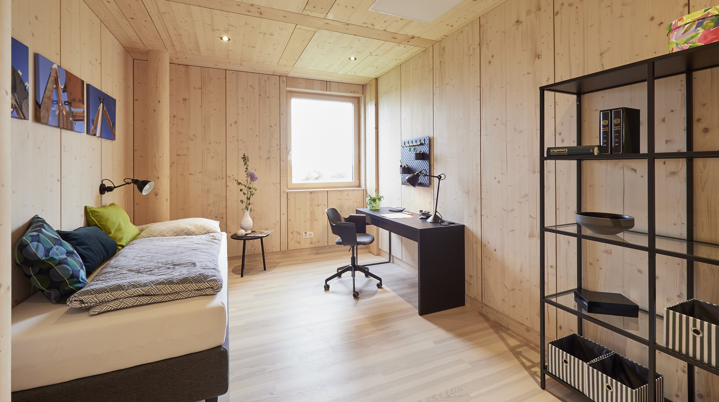 ZiKK 2.0 Musterhaus Vitis - Blick in das Arbeits- und Gästezimmer